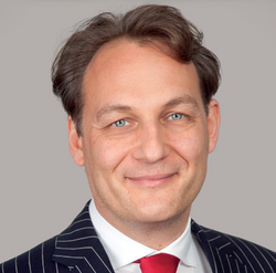 Raphael Heiner war viele Jahre Dozent an der Frankfurt School of Finance and Management in Frankfurt.